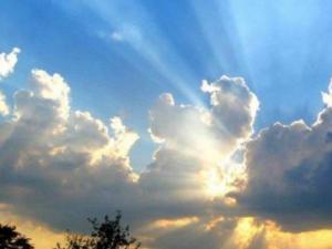 الراصد الجوي: الطقس سيكون أكثر حرارة خلال الأيام القادمة