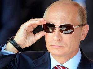 """لماذا أطلقت روسيا تسمية """"سبوتنيك V"""" على أول لقاح ضد كورونا ؟"""