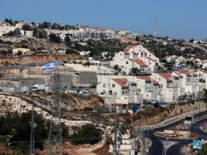 """""""هآرتس"""": أوامر إخلاء الأرضي الفلسطينية جزء من خطة الضم"""