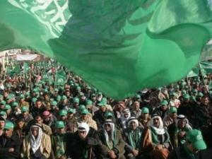 حماس: تصريحات الأحمد تؤكد رغبة السلطة بالاستمرار في الاستيلاء على القرار الفلسطيني