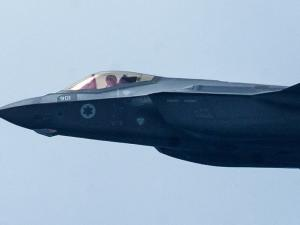 غانتس ونتنياهو يعلنان: لا نعارض بيع طائرات أف 35 للإمارات