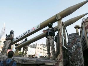 """يديعوت: حماس لم تمتشق بعد سلاحها الجديد صاروخ """"برق"""""""
