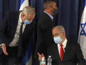 """""""هآرتس"""": نتنياهو يخطط لحل الحكومة"""