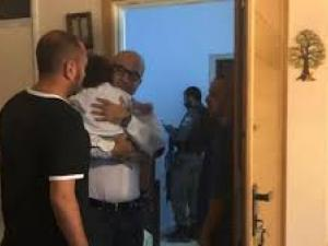 الاحتلال يعتقل وزير شؤون القدس