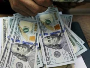 الدولار الأمريكي يواصل الانخفاض في فلسطين اليوم الأحد 1/8/2021