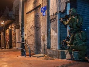 اصابات خلال مواجهات بين الشبان والاحتلال شرق نابلس