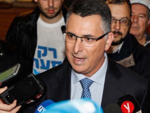 حزب ساعر سيحصل على أكثر من 15 مقعدا بالكنيست