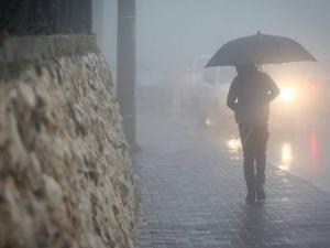 تطورات حالة الطقس: أمطار رعدية وسيول تضرب فلسطين المحتلة