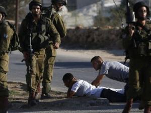 اصابة عاملين برصاص الاحتلال شمال طولكرم