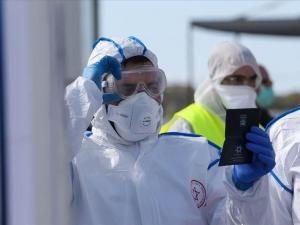 أكثر من 8000 إصابة جديدة بالكورونا في إسرائيل