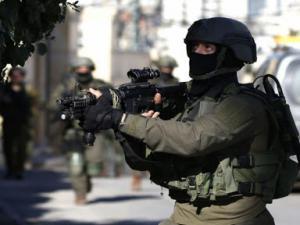 مداهمات واسعة لمنازل المواطنين واعتقالات طالت عدداً من الشبان في الضفة