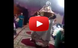 Embedded thumbnail for  موقف محرج لعروس أثناء حفل زفافها