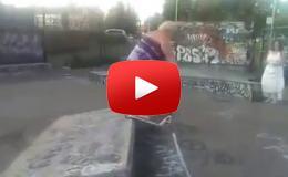 Embedded thumbnail for شاهد ماذا حدث لهذه الأم عندما ركبت السكوتر