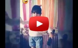 """Embedded thumbnail for طفلة تقلد أحمد فهمي أثناء تقديمه """"أراب أيدول"""""""