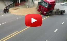 Embedded thumbnail for نجا بأعجوبة بعد انقلاب شاحنة بالقرب منه