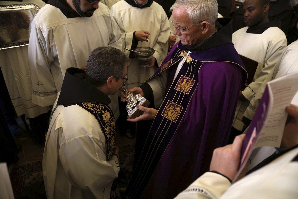 وصول حارس الاراضي المقدسة فرانشسكو باتون لبيت لحم قادما من القدس، ايذانا بالبدء باحتفالات اعياد الميلاد المجيدة، وعيد القديسة كاترينا الرعوية