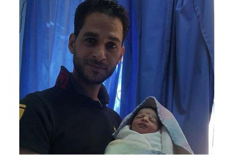 أصغر جد في الوطن العربي أردني عمره 33 عاماً