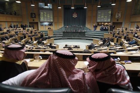 الاردن يوصي بطرد السفير الاسرائيلي ويتبنى 17 قراراً لصالح فلسطين