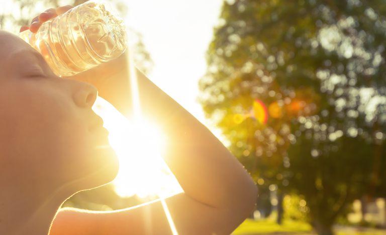 ما هي ضربة الشمس وما أعراضها وكيف يمكن علاجها؟