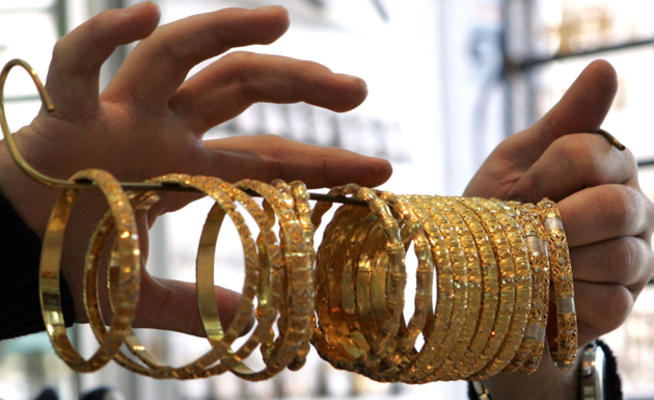 محللون:  الى أين يتجه الذهب!