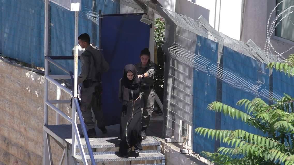 اعتقال 3 فتيات قرب الحرم الإبراهيمي بزعم حوزتهن سكاكين