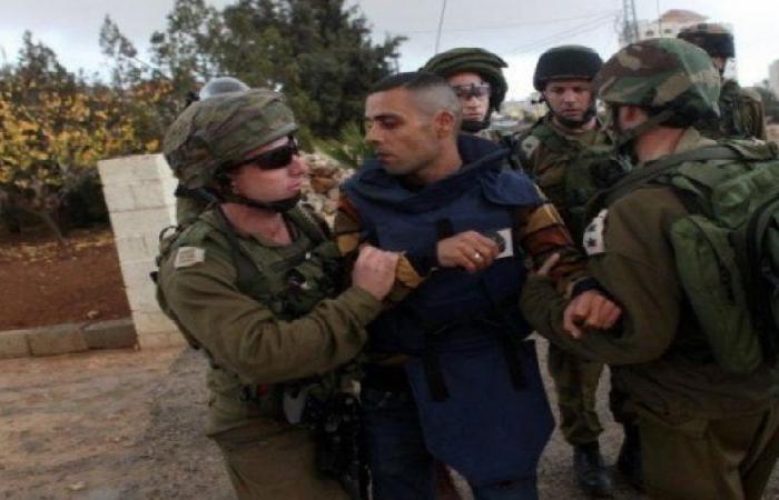 """محكمة """"عوفر"""" تمدد اعتقال الصحفي علي دار علي 5 ايام"""