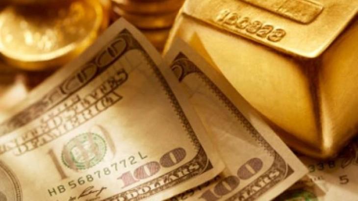 قوة الدولار تخفض أسعار الذهب