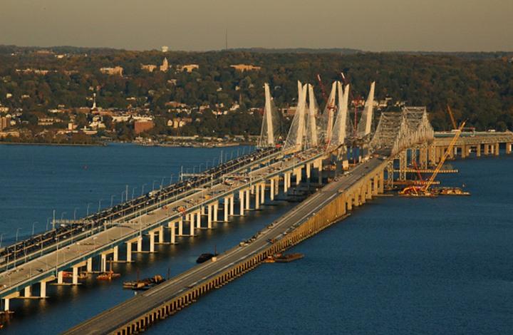الأمريكيون ينتظرون تفجير جسر في نيويورك السبت المقبل