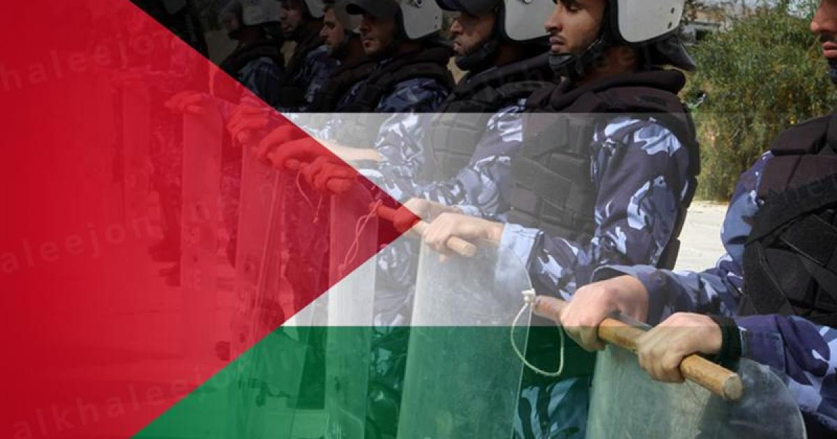 """""""القناة 12 العبرية"""": حماس تشتري ضباط السلطة في الضفة"""