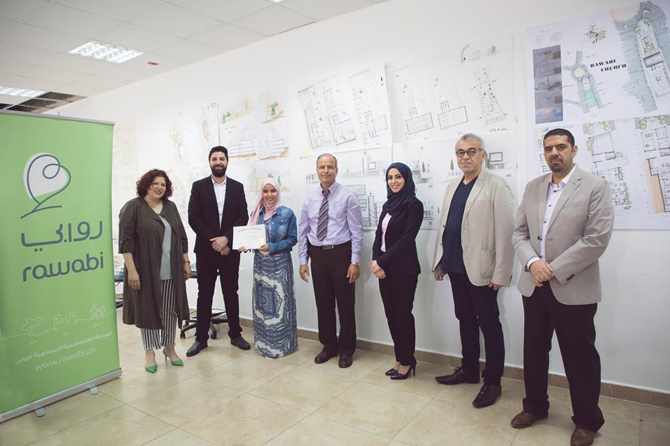 فوز 3 طلبة من جامعة القدس في مسابقة تصميم كنيسة في روابي