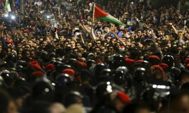 حكومة الرزاز: تعديلات وزارية لتنفيس الحراك الشعبي بالأردن