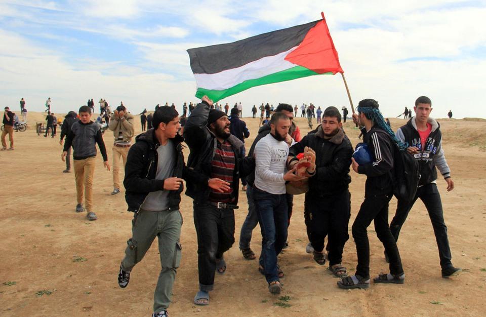 6 شهداء ومئات الإصابات برصاص الاحتلال على الحدود مع غزة