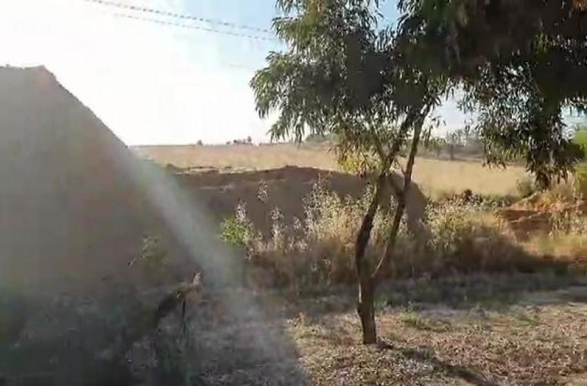 بناء سواتر رملية على طول طرق غلاف غزة