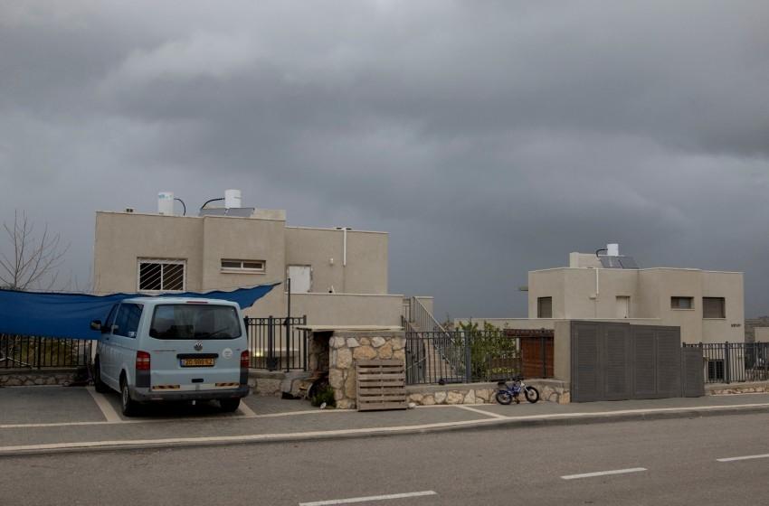محكمة إسرائيلية تصادق على شرعنه البناء الاستيطاني بالضفة