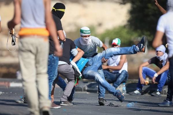 إصابة خطيرة في مواجهات مع الاحتلال في البيرة