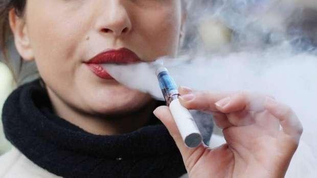منظمة الصحة العالمية تحذر من مزاعم شركات السجائر الالكترونية