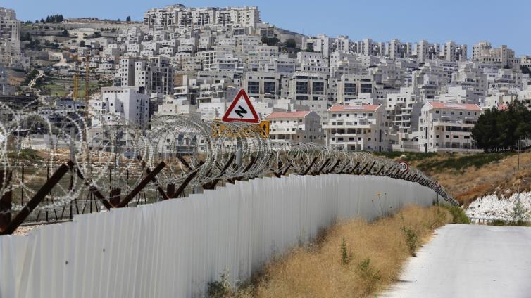 إسرائيل ترفض ربط الضفة الغربية بقطاع غزة ضمن (صفقة القرن)