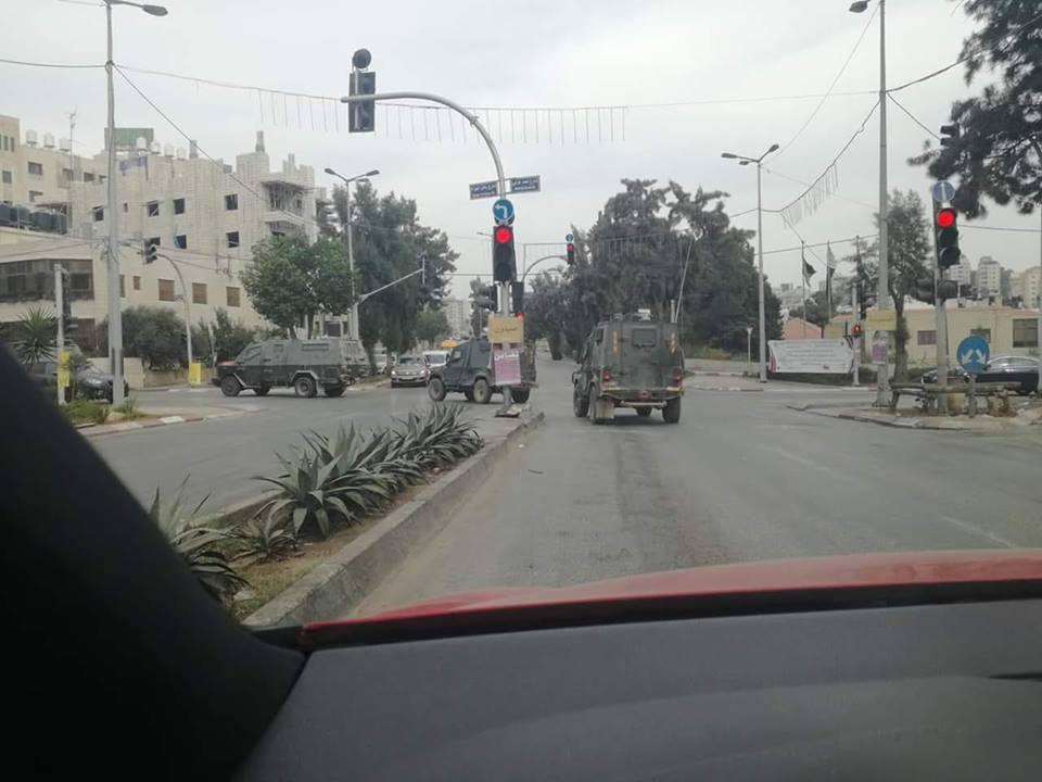 مواجهات وإطلاق نار بعد محاصرة الاحتلال لبناية في رام الله