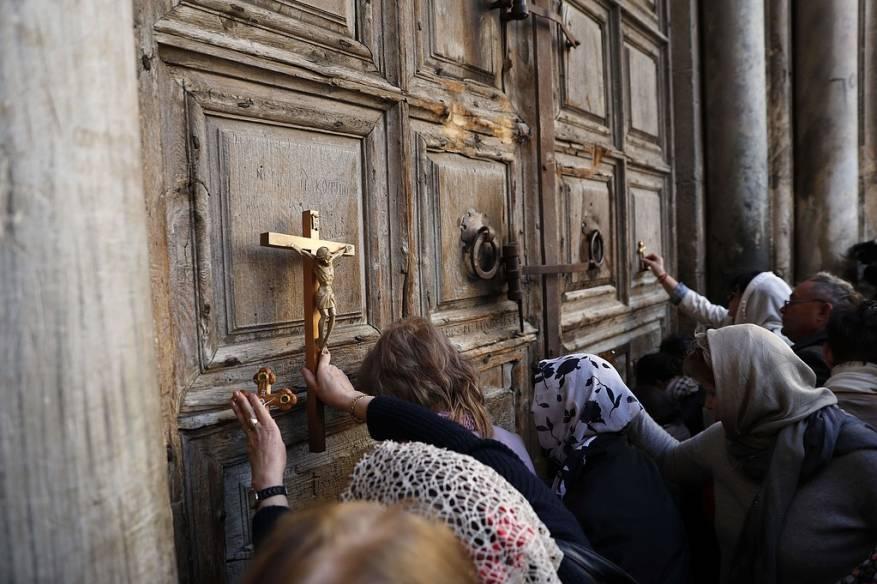 كنائس القدس تدعو إسرائيل لوقف استهداف ممتلكاتها
