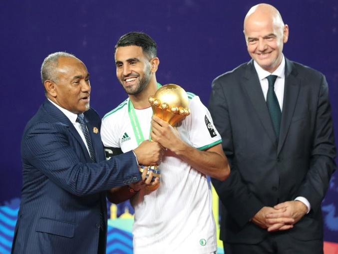 الجزائر تتوج ببطولة افريقيا للمرة الثانية بعد غياب 29 عاما