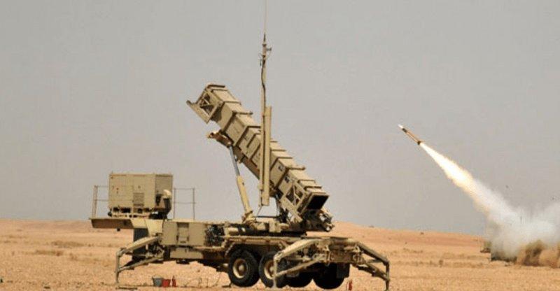 """السعودية: قوات الدفاع الجوي تعترض """"أهدافا جوية معادية"""" في جدة والطائف"""