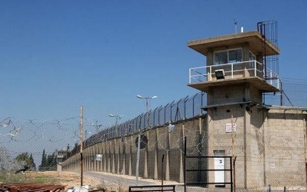 الأسرى الإداريون يعلقون مقاطعتهم لمحاكم الاحتلال لثلاثة أشهر