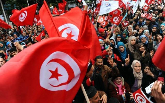 اتفاق في تونس على رفع أجور 670 ألف موظف عمومي
