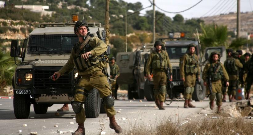 قوة إسرائيلية تسببت في بتر ساق ضابط مخابرات فلسطيني