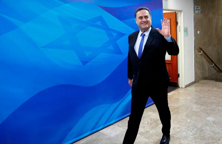 وزير إسرائيلي يناقش بُعمان مشروع سكة الحديد مع دول الخليج