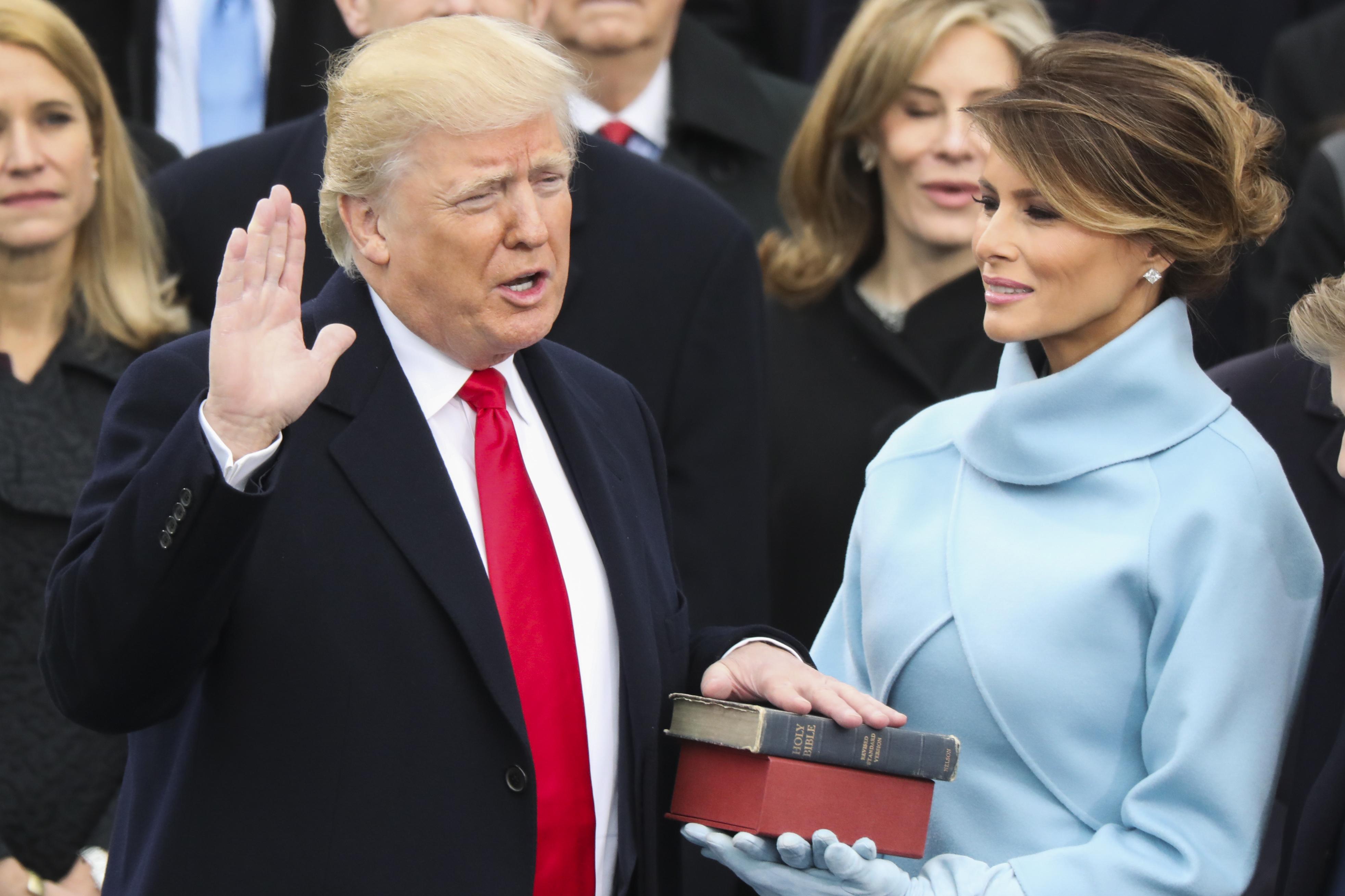 ترامب يكشف عن شعار حملته الانتخابية في 2020