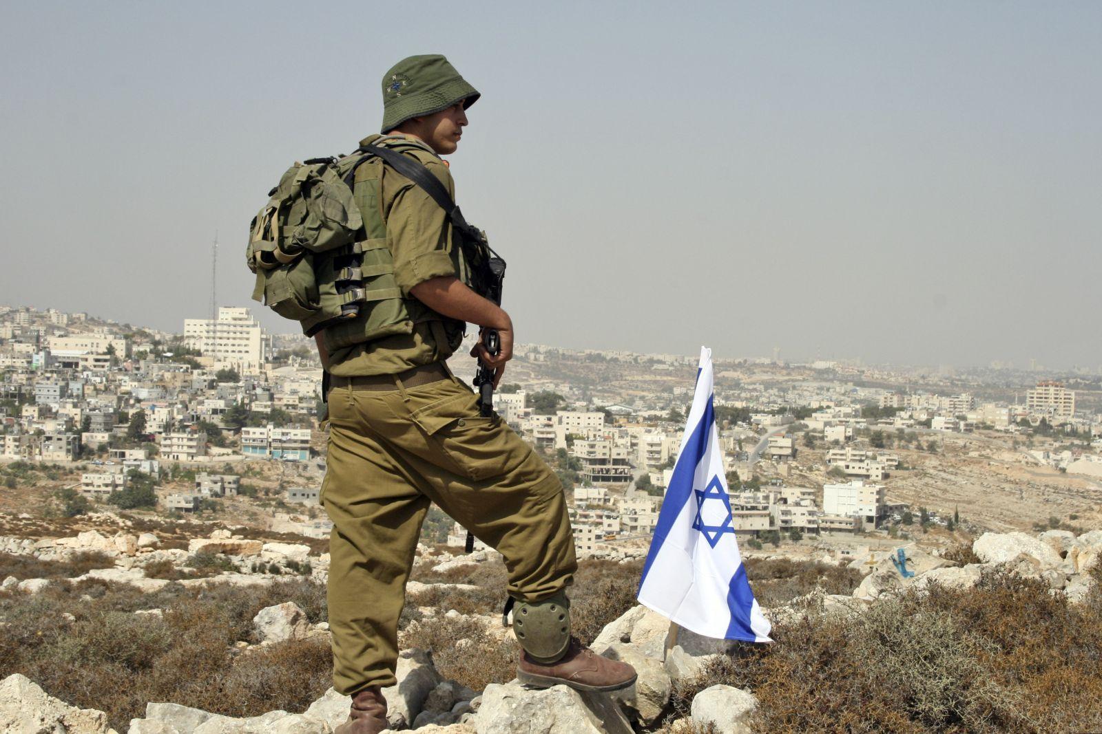 كندا تحقق بتحويل أموال للجيش الإسرائيلي ومشاريع للاحتلال بالضفة