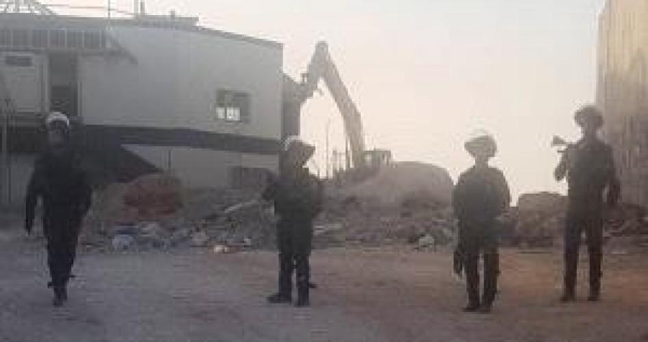 الاحتلال يشرع بعمليات هدم واسعة في محيط حاجز قلنديا شمال القدس