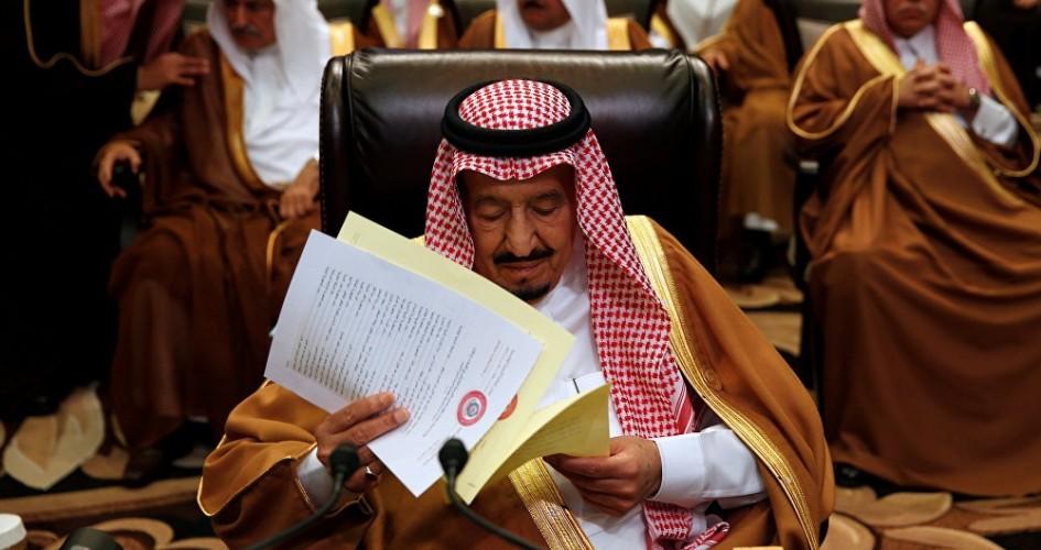 خبير أمريكي: لماذا يريد ولي العهد السعودي بقاء والده سلمان ملكاً؟