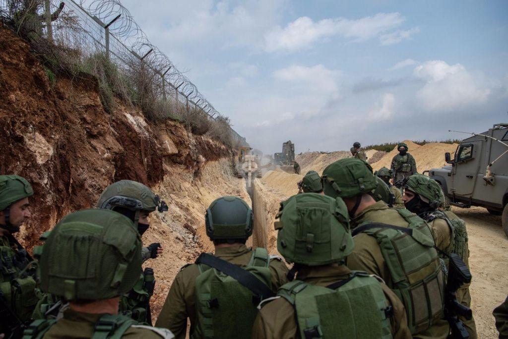 الجيش يستنفر قواته على حدود غزة للاشتباه بتسلل فلسطينيين